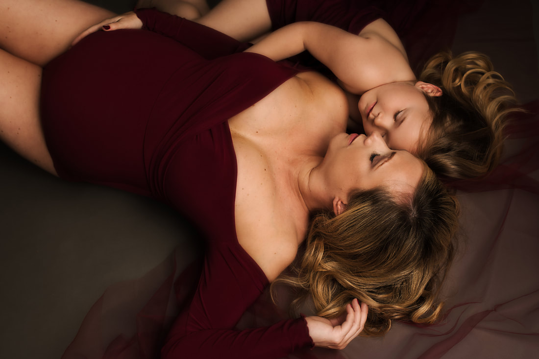 Bump photos with mother and daughter, Cheadle photography