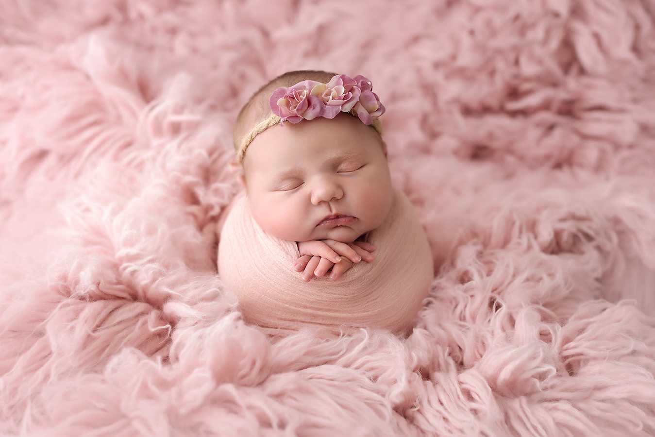 Newborn Photoshoot near me Stockport