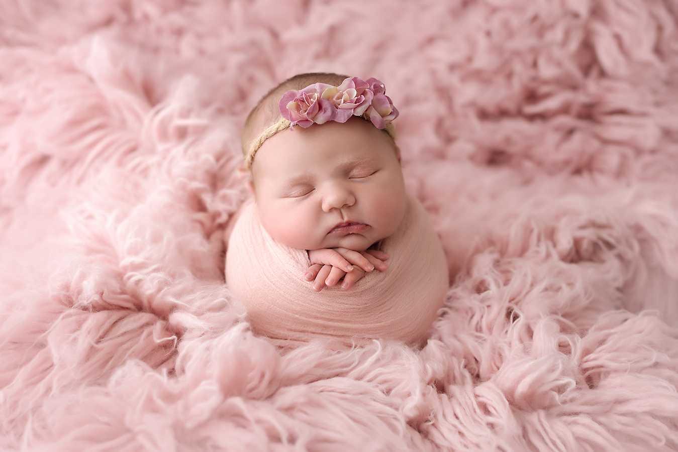 Newborn Photoshoot near me Stockport