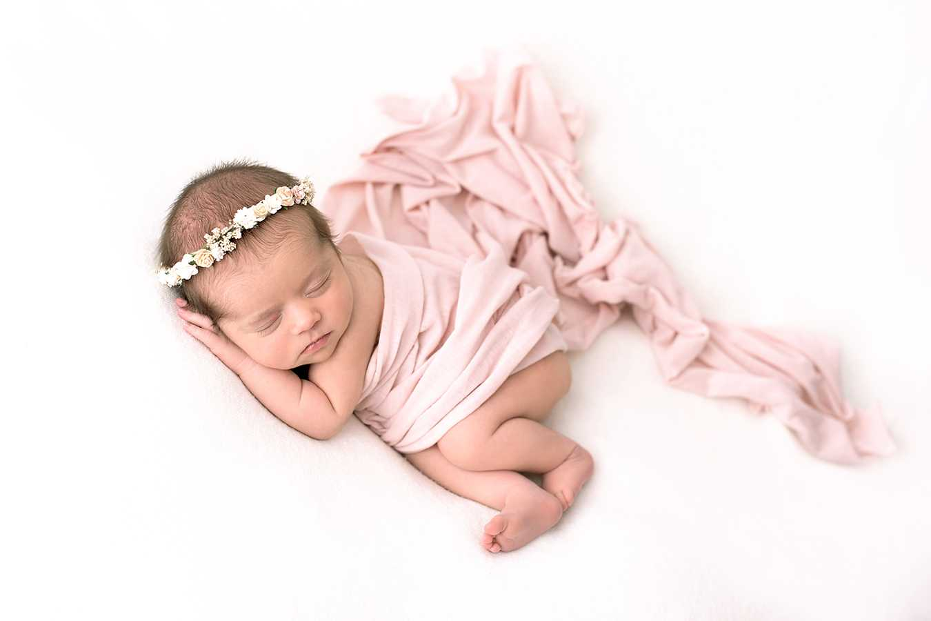 Newborn Photoshoot near me Bramhall