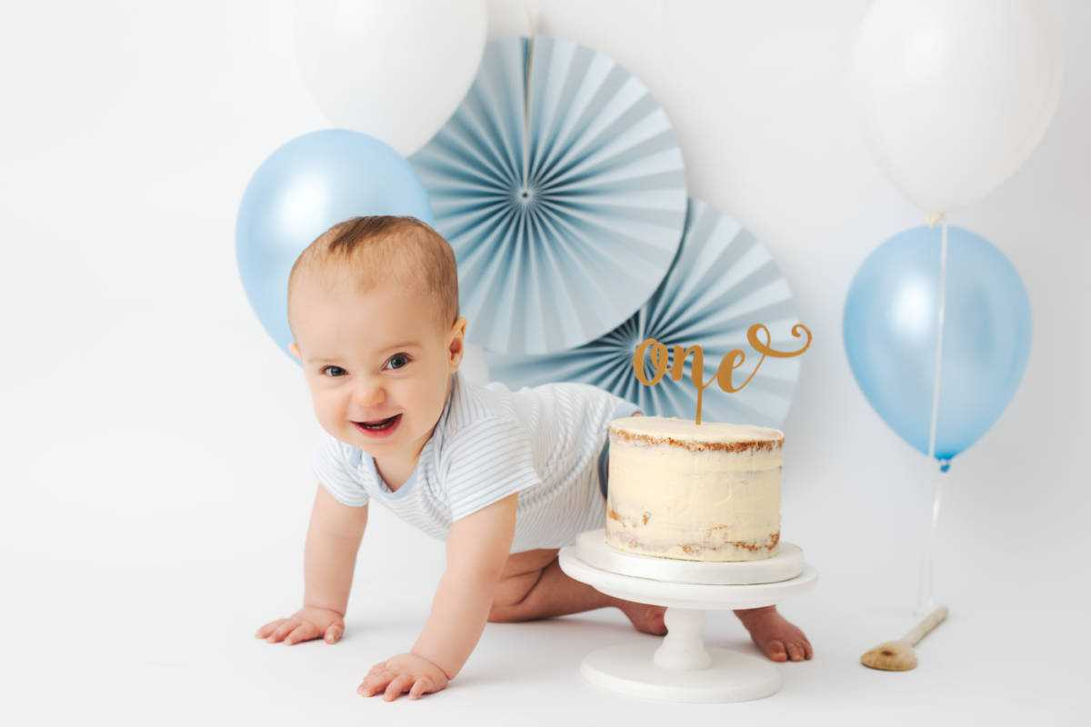 Baby Cake Smash Photographers Poynton