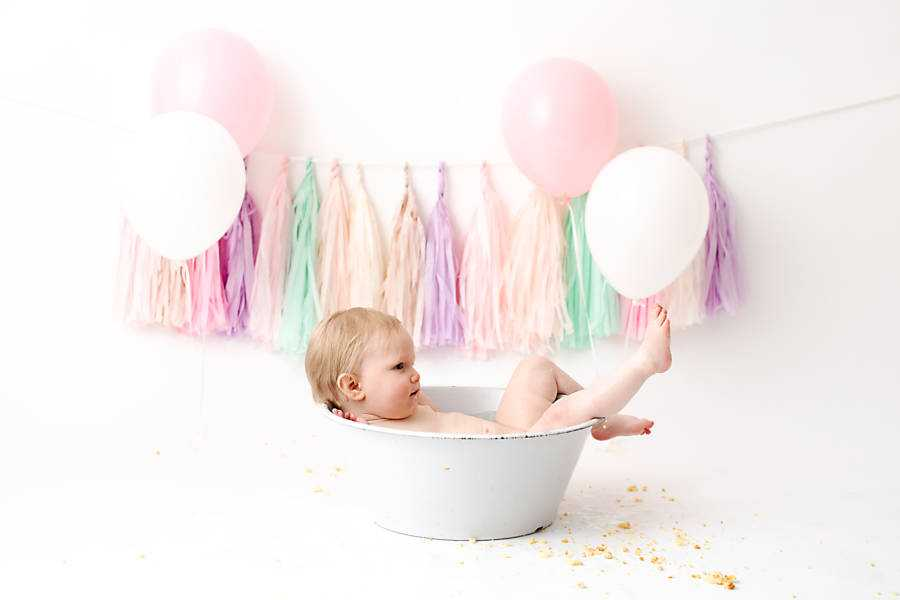 Bath tub fun during Cake Smash Photo shoot