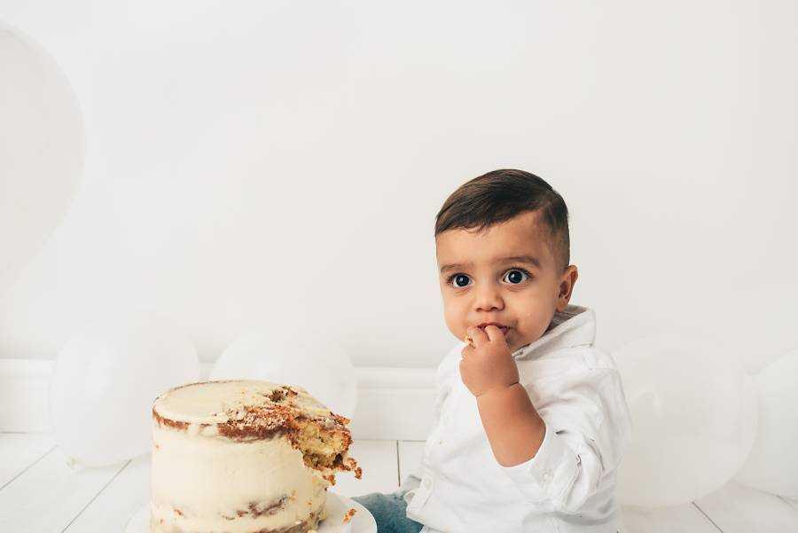 Baby Cake Smash Photographers Poynton